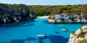 sailing boat holidays